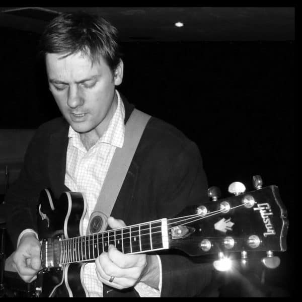 Jazz Guitar Lessons London with Mike Outram, tuition, funk